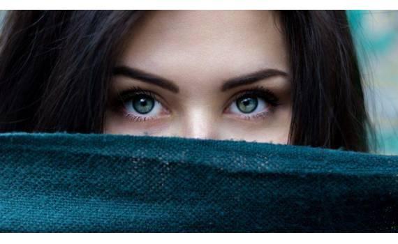Ενυδάτωση ματιών: Συμβουλές περιποίησης και θεραπείες για τα μάτια!