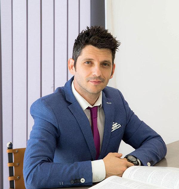 Δρ. Μαζαράκης Νικόλαος