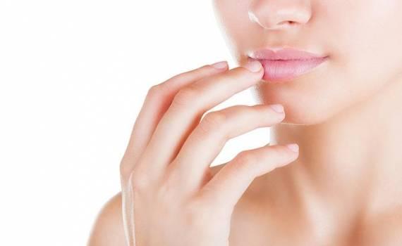 Υαλουρονικό Οξύ: To μυστικό για τέλεια χείλη!